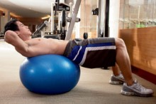 Abdominal-crunch-on-an-exercise-ball-1