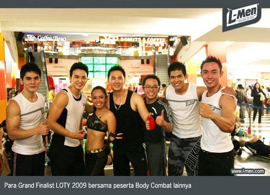 Para Grand Finalist LOTY 2009 bersama peserta Body Combat lainnya