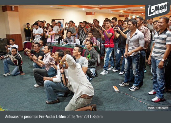 Antusiasme penonton Pre-Audisi L-Men of the Year 2011 Batam
