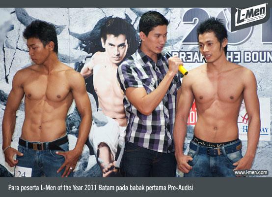 Para peserta L-Men of the Year 2011 Batam pada babak pertama Pre-Audisi