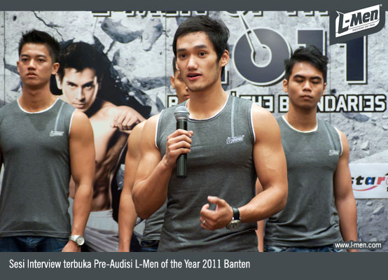 Sesi interview terbuka Pre-Audisi L-Men of the Year 2011 Banten