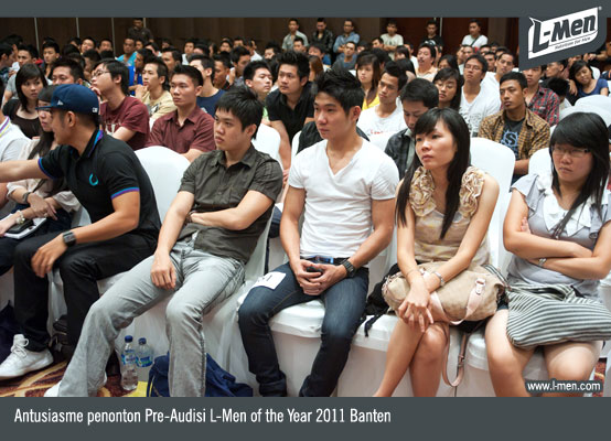 Antusiasme penonton Pre-Audisi L-Men of the Year 2011 Banten