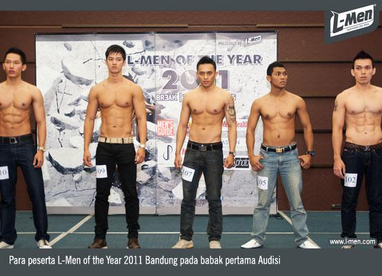 Para peserta L-Men of the Year 2011 Bandung pada babak pertama Audisi