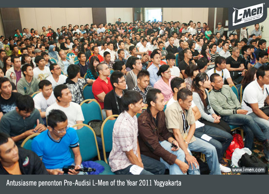 Antusiasme penonton Pre-Audisi L-Men of the Year 2011 Yogyakarta