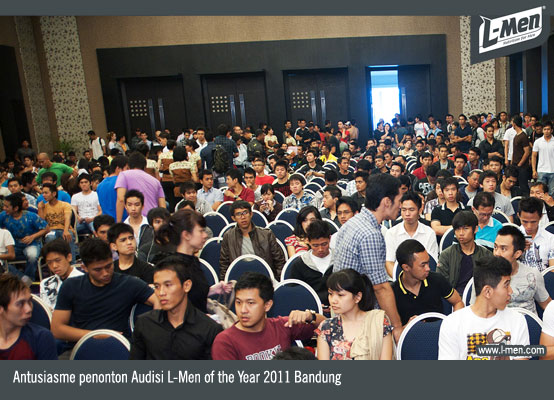 Antusiasme penonton Audisi L-Men of the Year 2011 Bandung
