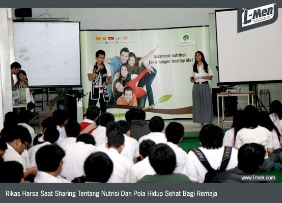 Rikas Harsa Saat Sharing Tentang Nutrisi Dan Pola Hidup Sehat Bagi Remaja