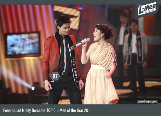 Penampilan Nindy bersama top 6 L-Men of the Year 2011