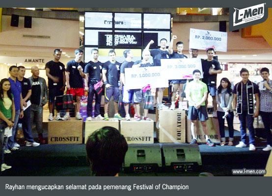 Pemenang dan penyelenggara Festival of Champion
