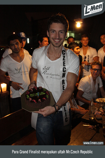 Para Grand Finalist merayakan ultah Mr.Czech Republic
