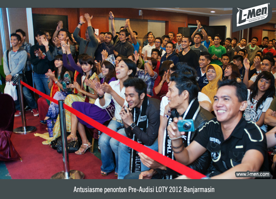 Antusiasme penonton Pre-Audisi LOTY 2012 Banjarmasin
