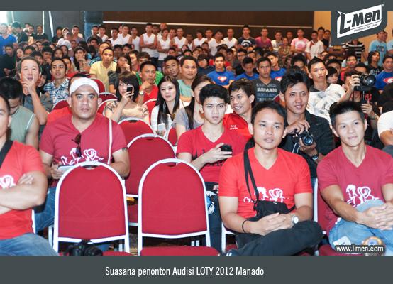 Suasana penonton Audisi LOTY 2012 Manado