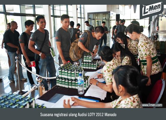 Suasana registrasi ulang Audisi LOTY 2012 Manado