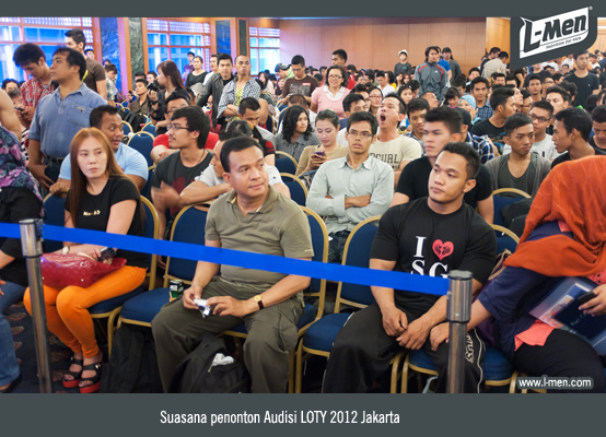 Suasana penonton Audisi LOTY 2012 Jakarta
