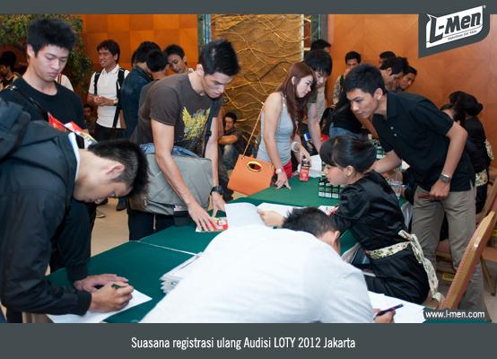 Suasana registrasi ulang Audisi LOTY 2012 Jakarta