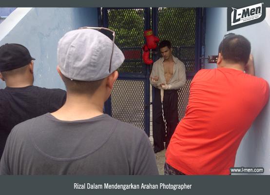 Rizal Dalam Mendengarkan Arahan Photographer