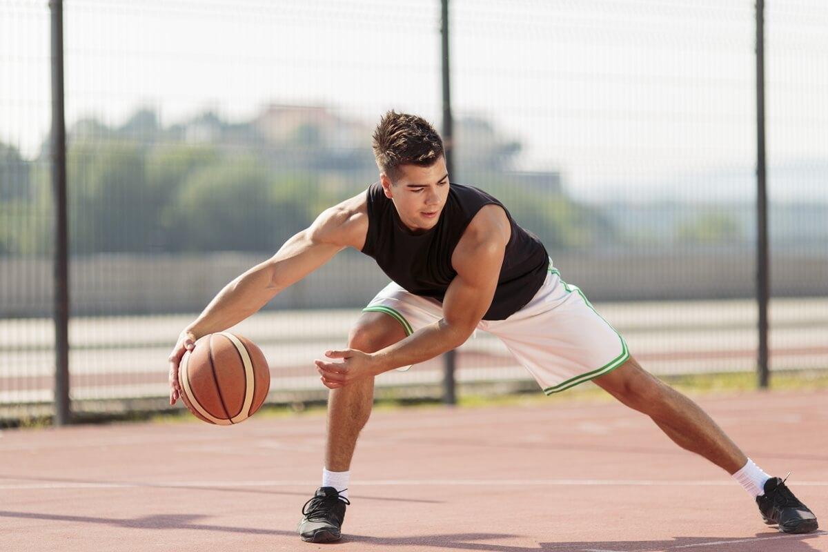 mencegah cidera saat berolahraga bola basket l men